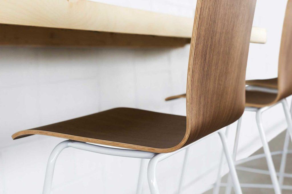 m2-stool-walnut-detail