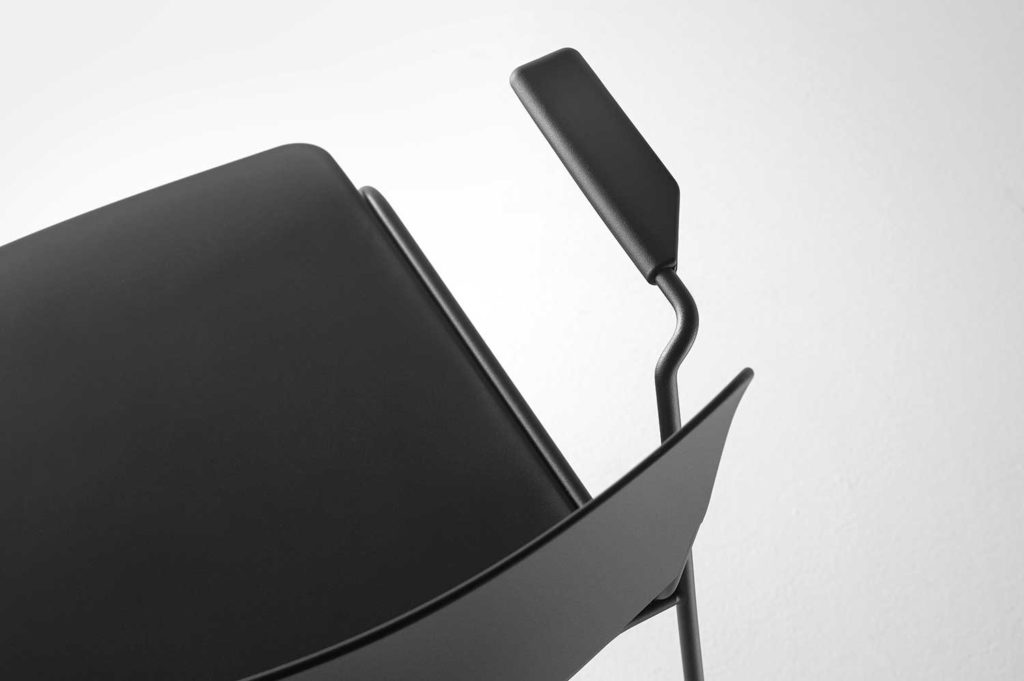 mass-arm-chair-detail